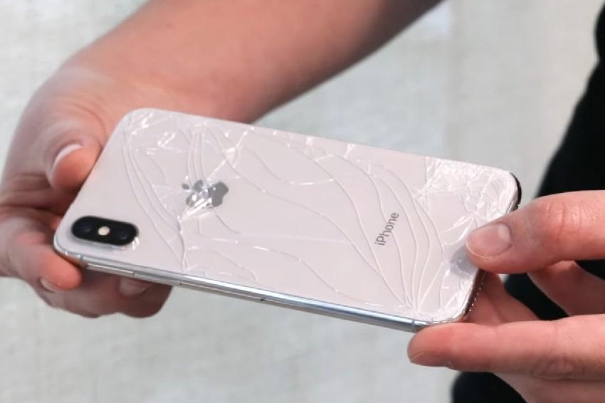 điện thoại iPhone bị vỡ mặt lưng