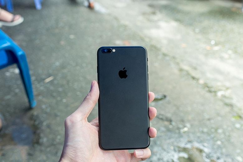 Độ vỏ iPhone 6S Plus trong oách hẳn