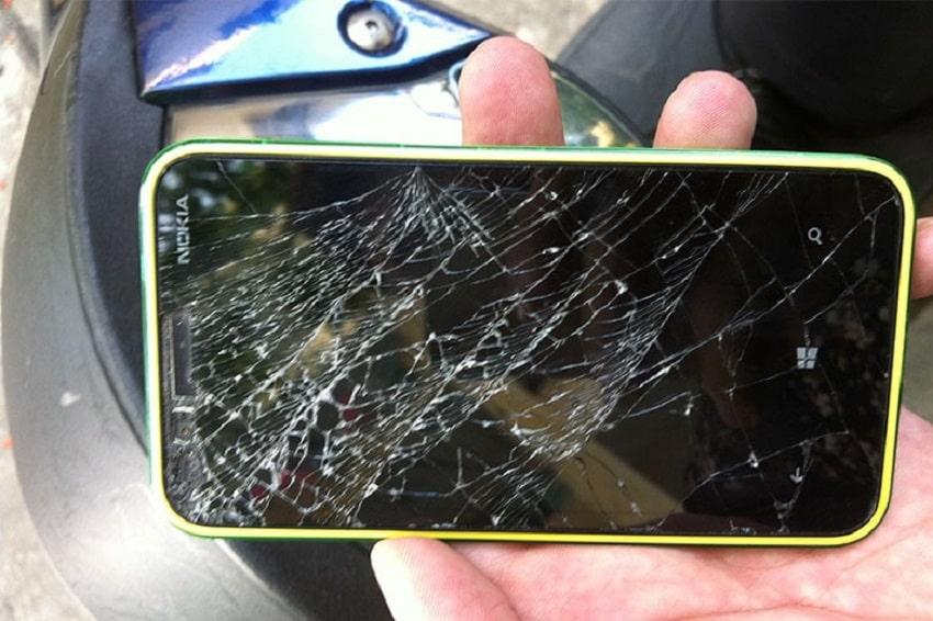 Thay mặt kính Nokia bị bể
