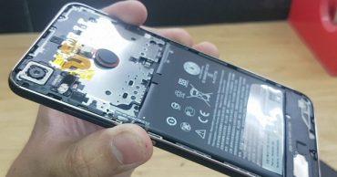 Thay pin smartphone khác