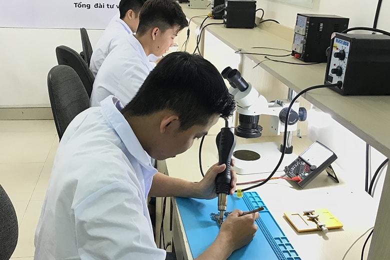 KTV Sửa chữa điện thoại Android gio thuc hanh ktv sua chua dien thoai android viendidong