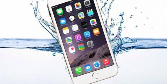 Nếu bị vào nước thì màn hình iPhone 6 bị sọc đen cũng dễ xuất hiện
