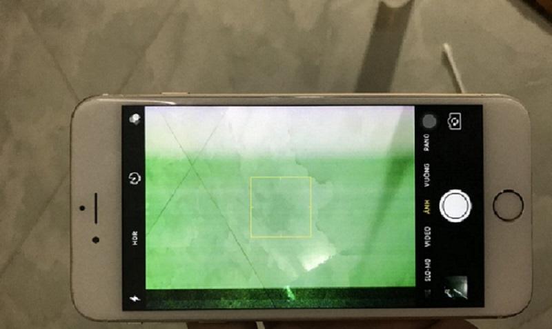 Lỗi màn hình iPhone 6 bị sọc xanh