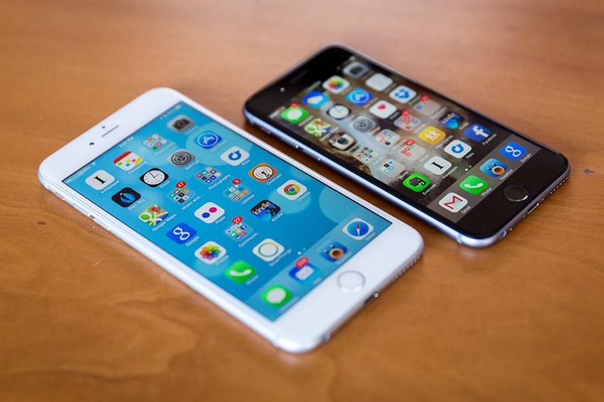 Điện thoại chai pin cũng là một trong những lý do khiến màn hình iPhone bị chập chờn