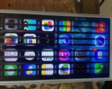 Tình trạng màn hình iPhone 6 bị sọc đen chi chít