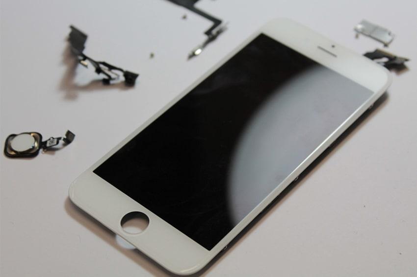 Thay màn hình iphone 6, 6 plus tại FPT có được lấy liền không?