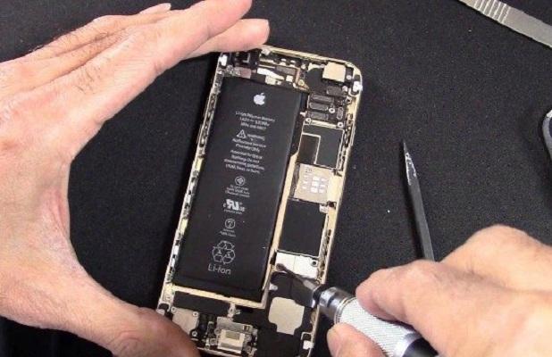 Cận cảnh thay pin iPhone 6, 6 Plus