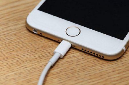 Cách Xử Lý Nhanh Khi Sạc iPhone 6 Không Vào Điện 1 9