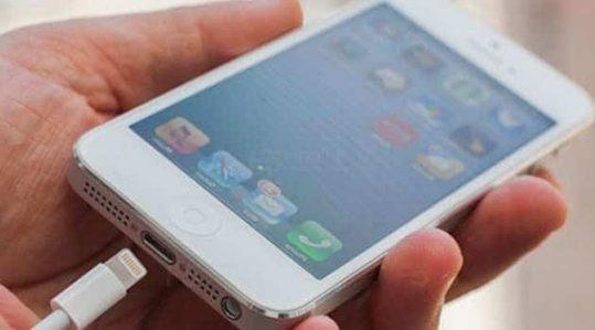 Củ Sạc iPhone 6 Bị Nóng -  Nguyên Nhân Do Đâu.