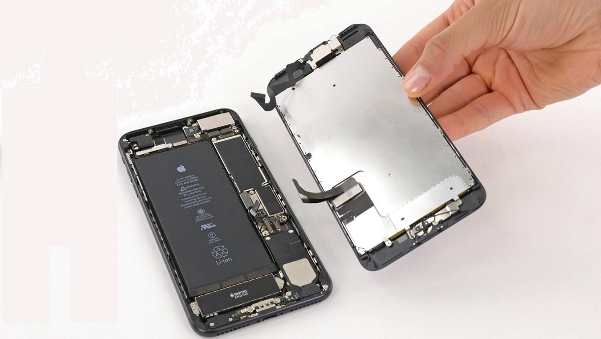 Lầm tưởng thay màn hình iPhone 7 Plus chính hãng