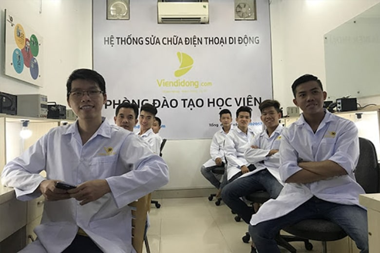 Khóa Học Dạy Nghề Sửa Chữa Điện Thoại Di Động Tại Viện Di Động