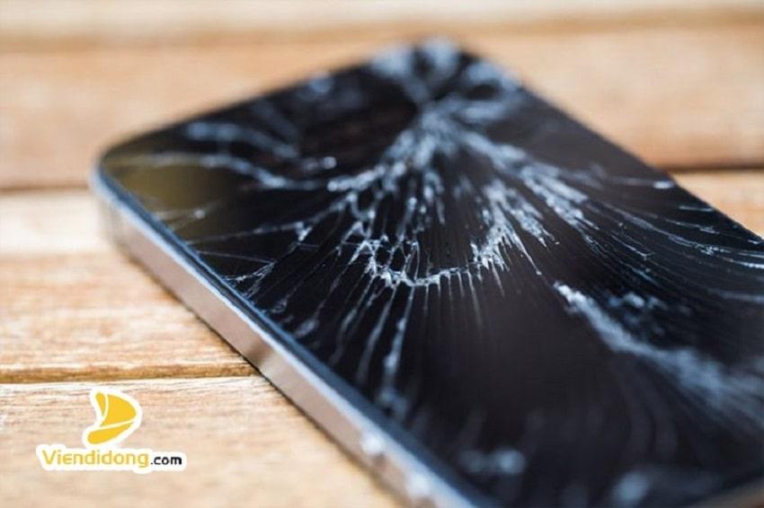 Xử lí màn hình iPhone 5 bị vỡ
