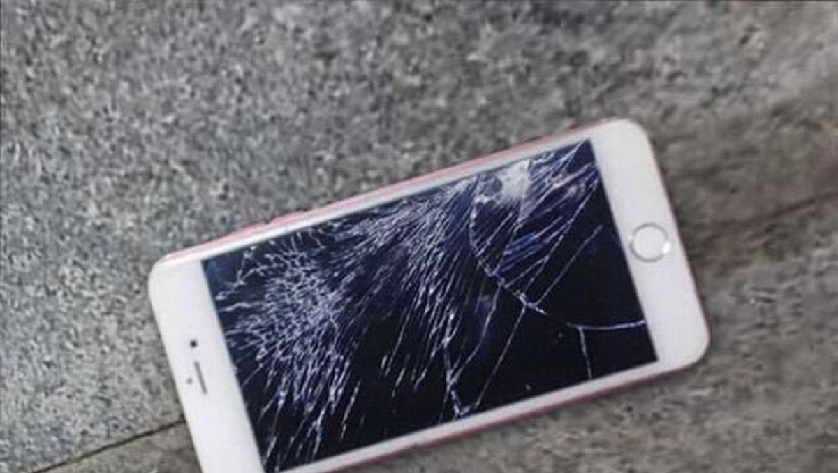 Xử lý màn hình iPhone 6S bị vỡ