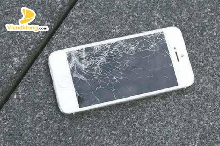 Xử lí màn hình iPhone 6s Plus bị vỡ