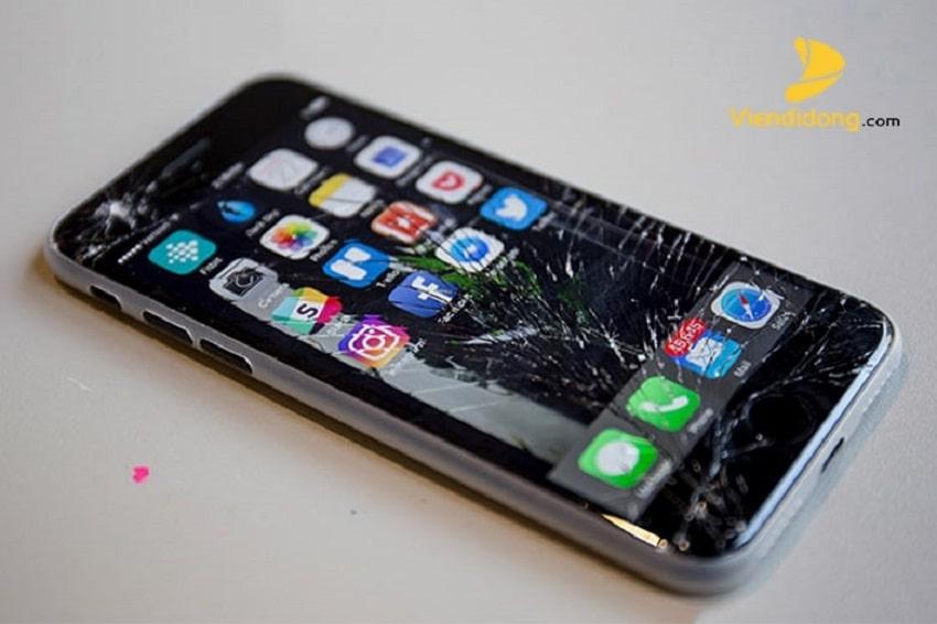Xử lí màn hình iPhone 7 bị vỡ