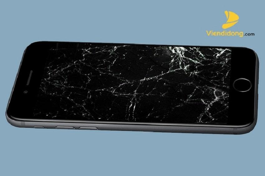Xử lí màn hình iPhone 7 Plus bị vỡ