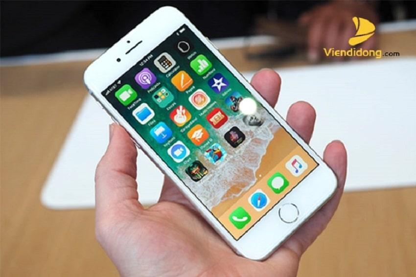 Xử lí màn hình iPhone 8 bị vỡ
