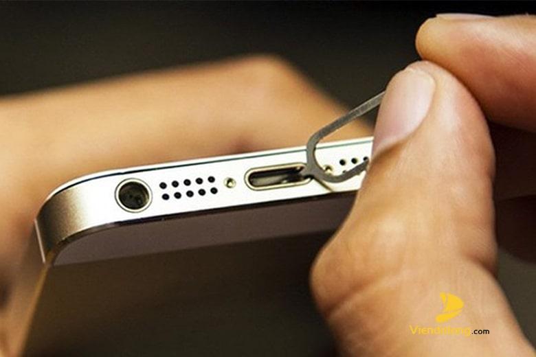 Làm gì khi iPhone 5 Sạc Không Vào Pin?