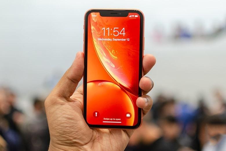 màn hình iPhone Xr hiển thị sắc nét
