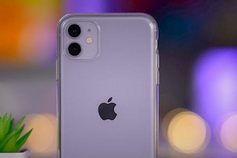 Ốp lưng trong suốt khoe trọn vẻ đẹp của iPhone 11