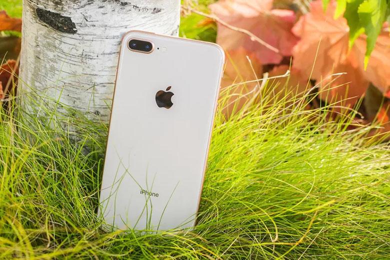 Thiết kế của iPhone 8 Plus 64GB cũ vẫn rất sang trọng