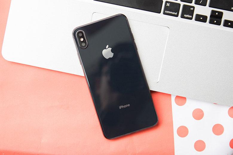 Mẫu máy iPhone X cũ màu đen truyền thống