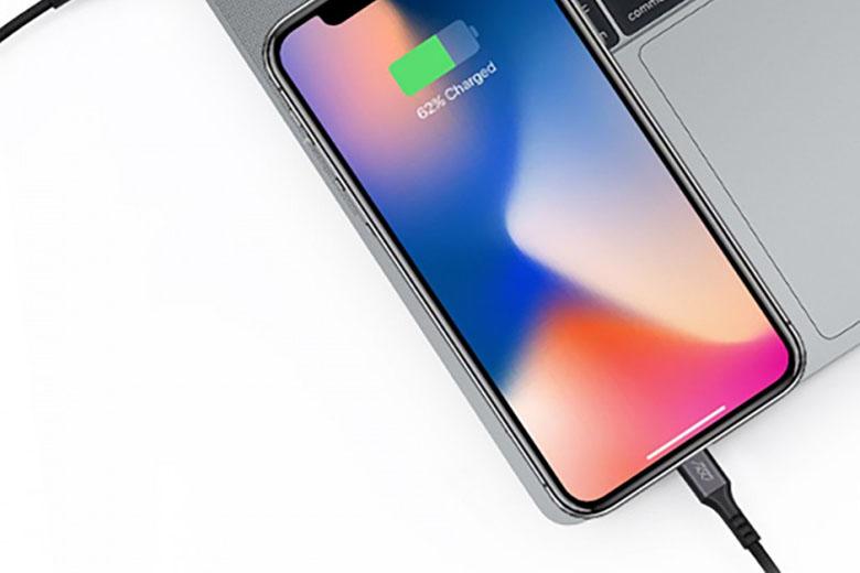 Cáp hỗ trợ sạc nhanh lên đến 18W, có thể sạc đẩy 50% dung lượng pin cho iPhone chỉ trong 30 phút.
