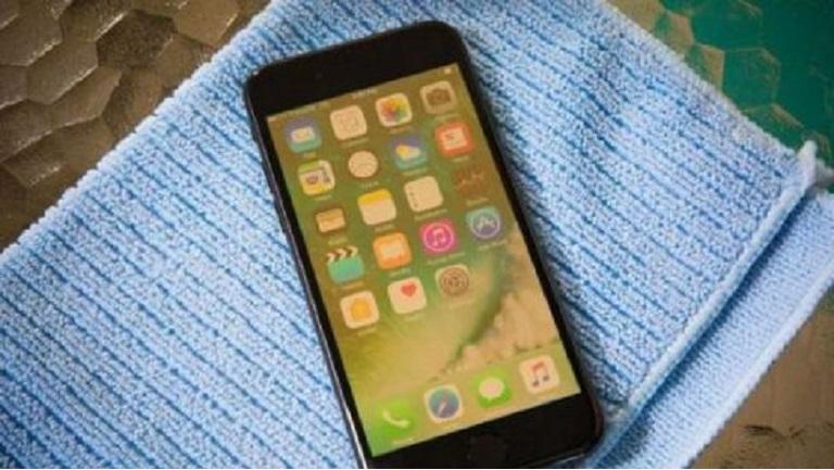 màn hình iPhone 6 bị ố vàng