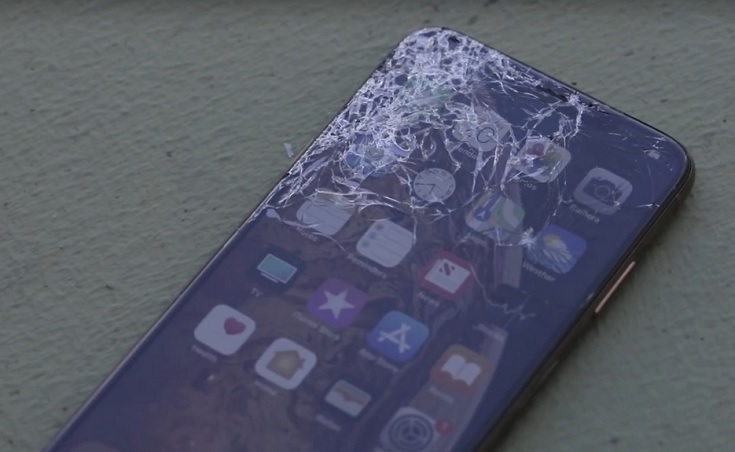 Màn hình iPhone 11 bị bể mặt kính