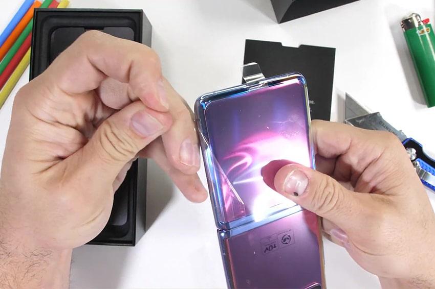 Galaxy Z Flip đã bị mổ bụng bởi nhóm iFixit