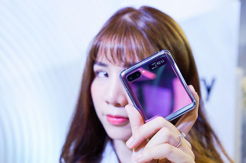 Galaxy Z Flip được trang bị 2 camera cho ra những bức ảnh chuyên nghiệp