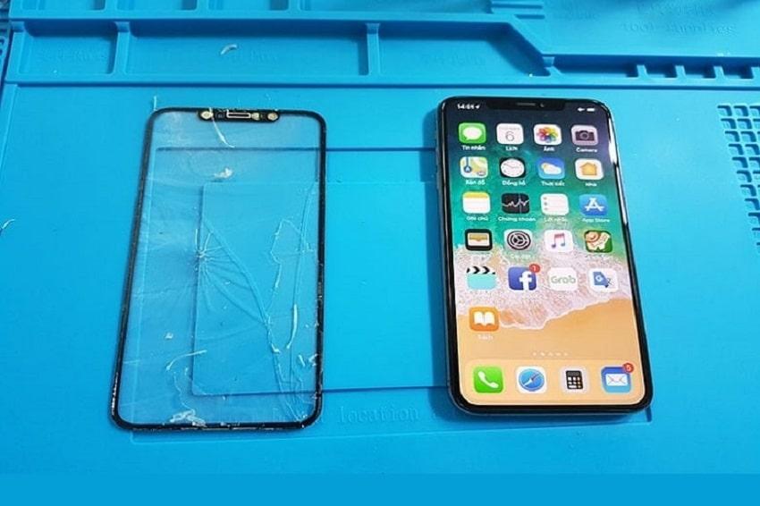 GIá thay mặt kính iPhone X ở Viện Di Động luôn thấp