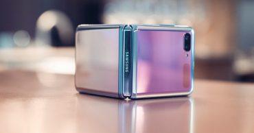 Samsung Galaxy Z Flip có giá thay màn hình lên đến … 12 triệu