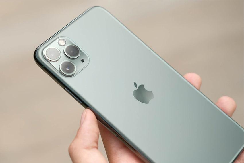 11 Pro Max là chiếc smartphone lock tăng giá mạnh nhất trong những ngày qua
