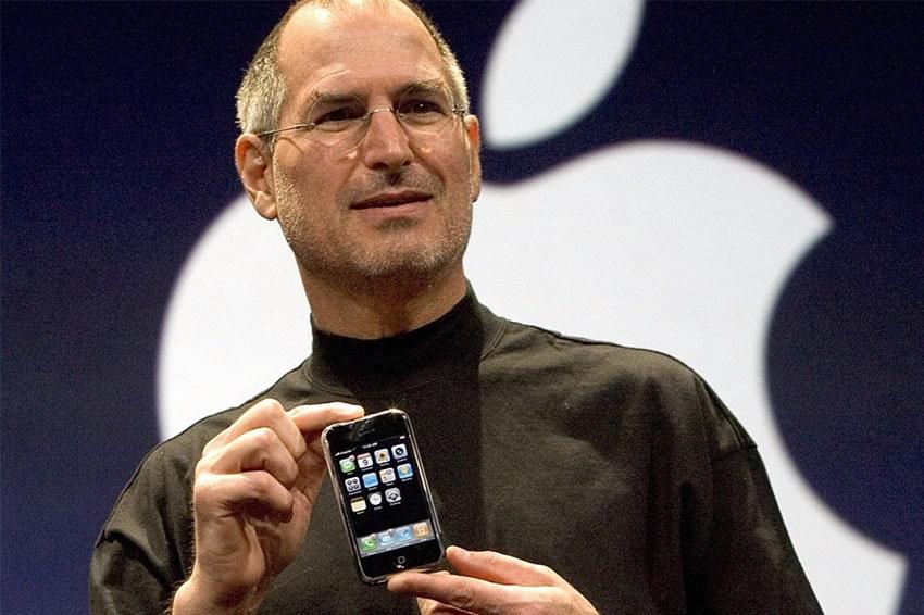Bắt tay với nhà mạng Cingular đánh dấu cột mốc mở đầu thành công của iPhone