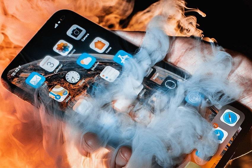 Mua iPhone Likenew vừa có lợi vừa có hại