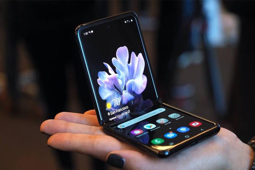 """Nhờ trang bị """"kính linh hoạt siêu mỏng"""" mà Galaxy Z Flip bền hơn trông thấy"""