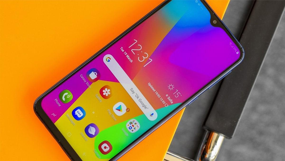Samsung Galaxy M21 giá siêu rẻ trình làng với camera chất, pin trâu