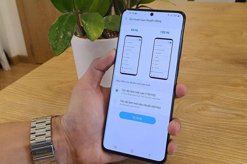 Tương tự như Galaxy S20 Ultra iPhone 12 cũng hỗ trợ hỗ trợ tốc độ làm tươi