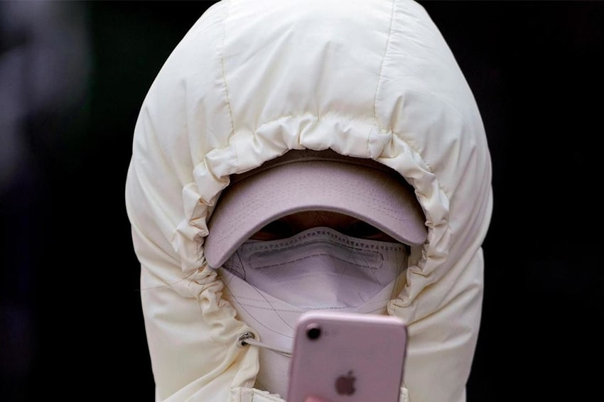 Việc sử dụng smartphone có Face ID rất khó khăn khi dịch Covid hoành hành