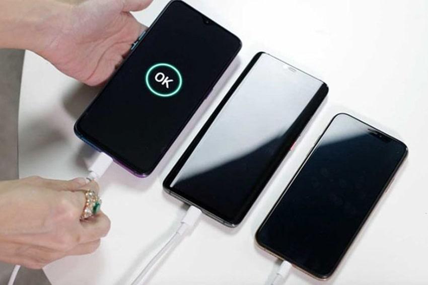 Thời lượng pin cũng là yếu tố rất quan trọng để quyết định smartphone đó có thật sự đáng mua