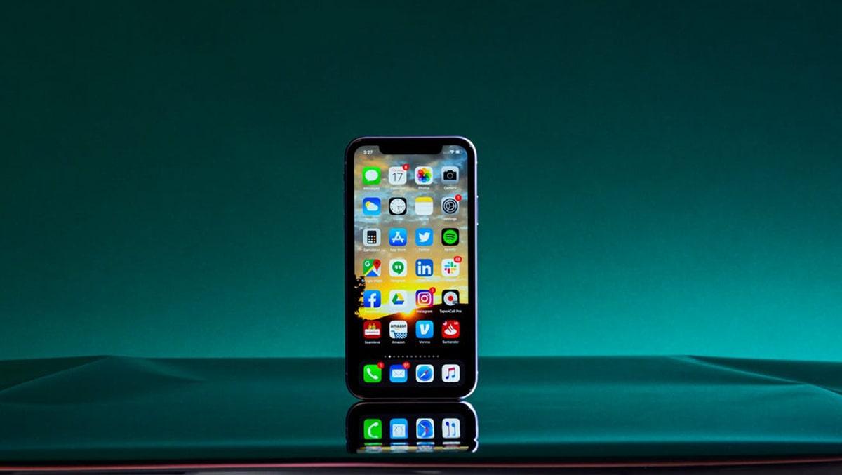 Tiết lộ mới nhất về chiếc iPhone 12 mini của Apple
