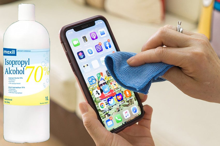 Vệ sinh smartphone bằng cồn Isopropyl