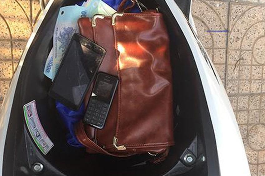 Cốp xe là nơi để điện thoại cực kì nguy hiểm