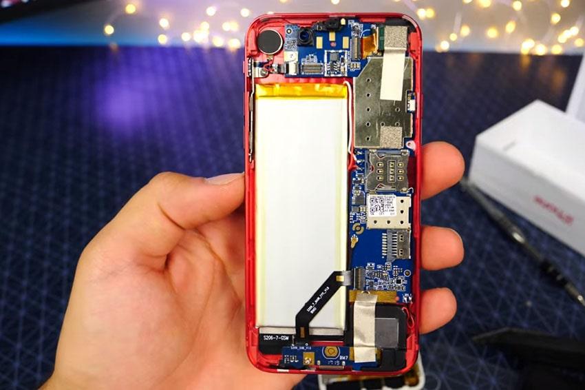 Linh kiện bên trong quyết định 80% giá trị của một chiếc iPhone