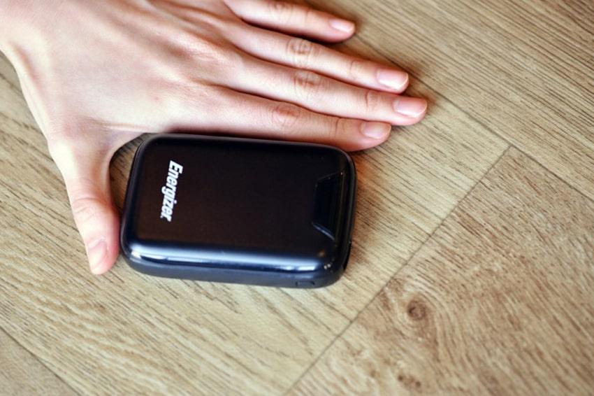 Pin sạc dự phòng Energizer 10000mAh - UE10042 thiet ke cua pin sac du phong energizer 10000 mah viendidong