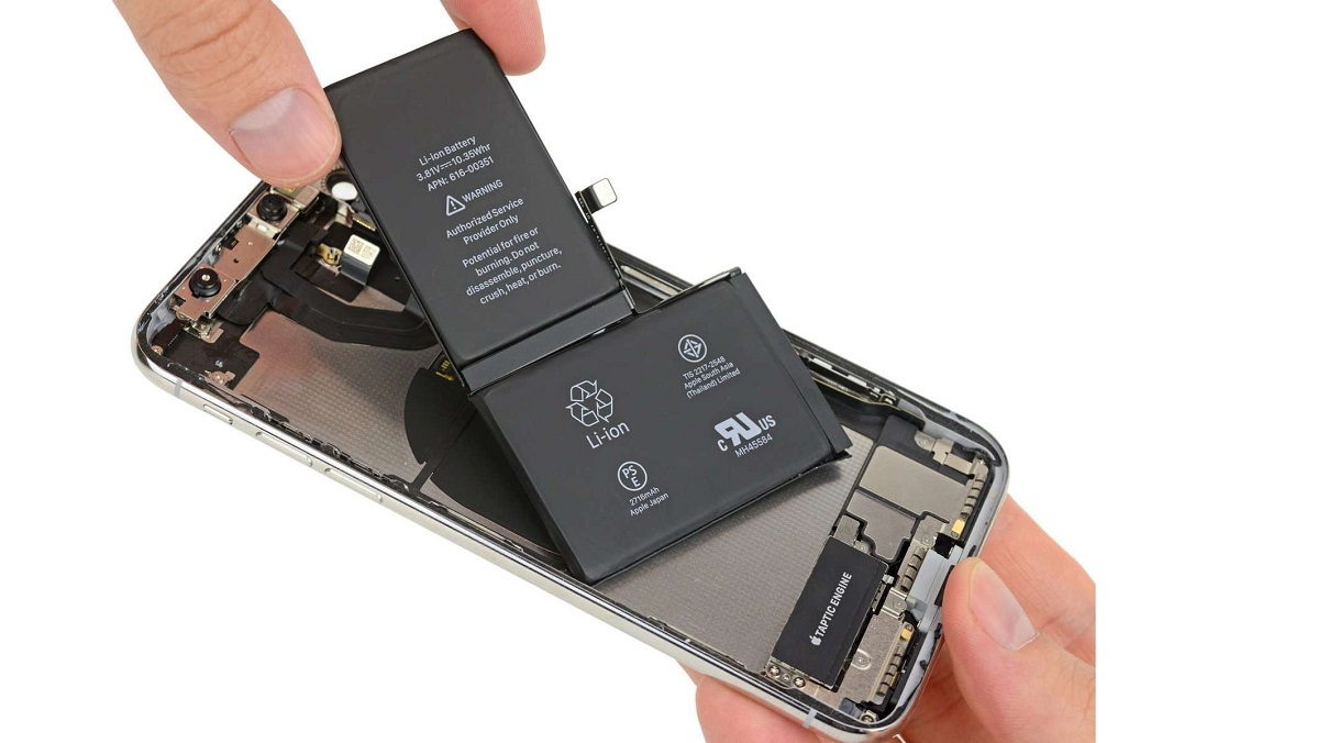 Pin iPhone 8 Giá Bao Nhiêu Là Chuẩn?