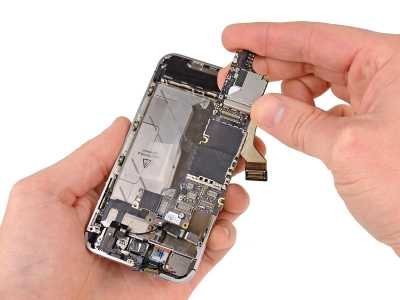 thay cảm ứng iPhone Xr tại các hệ thống uy tín