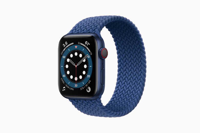 Apple Watch Series 6 dây vải màu xanh
