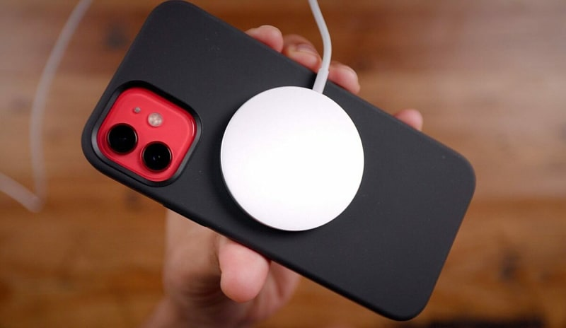 Sạc không dây Apple MagSafe cho iPhone 12